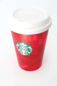 Starbucks-Holiday-Red-Cup-Christmas-Lights-DIY-1